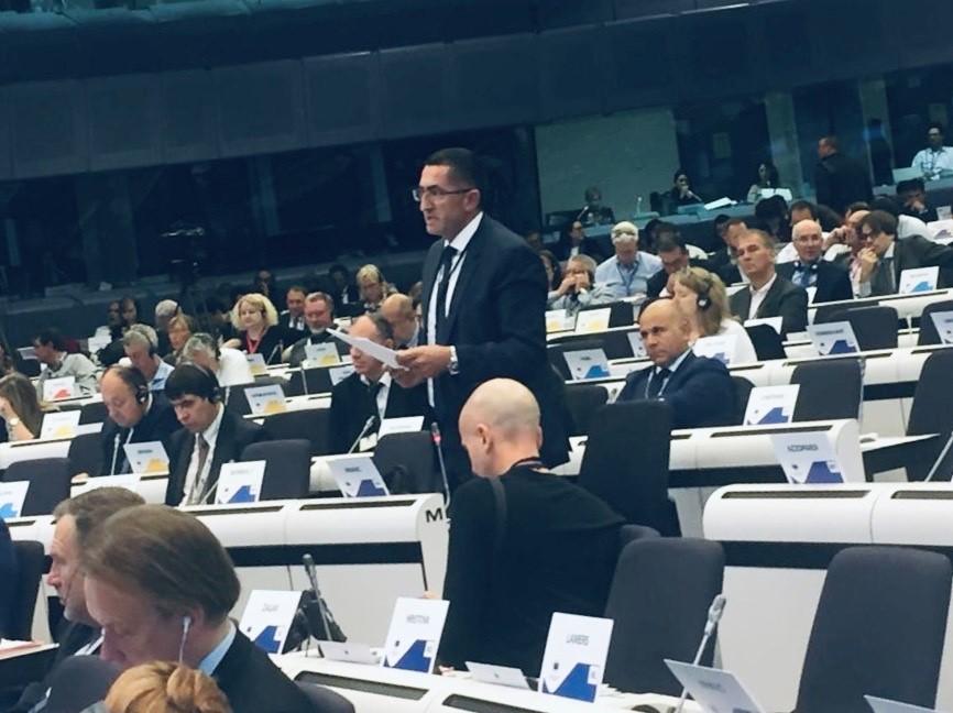 Hrvatski zastupnik u Europskom odboru regija Bruno Hranić na plenarnoj sjednici u Bruxellesu