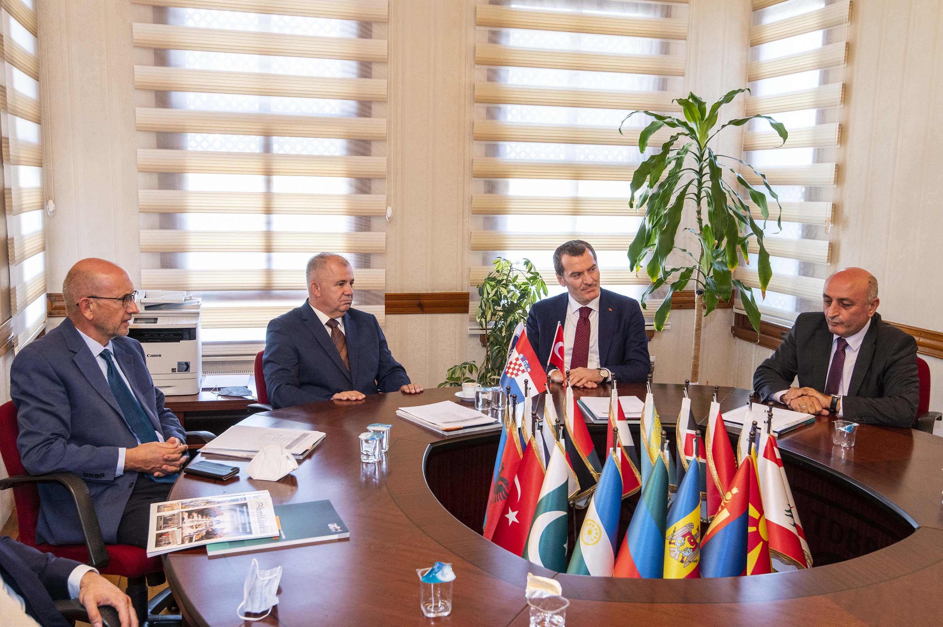 Svečano potpisivanje protokola o suradnji između Hrvatske zajednice općina i Unije općina turskog svijeta